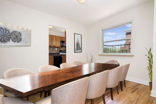 Attractive Two Bedroom Apartment Home